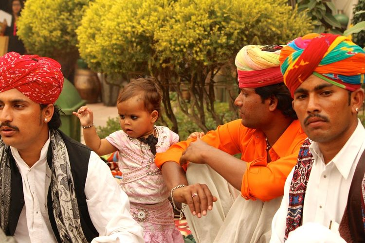 Culture Dillihaat India Looking At Camera Portrait Rajisthan Singing