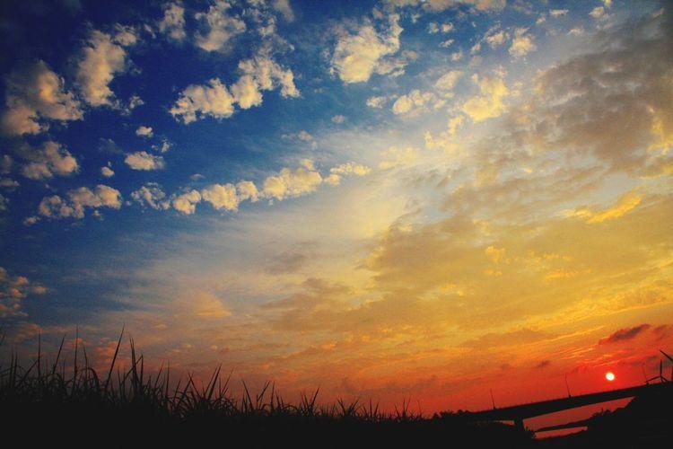 新屋 夕日 Sky