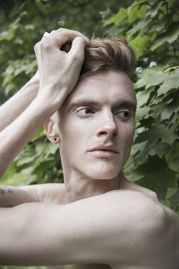 Andy in Berlin / Outdoor Treptower Park / September 2017 Lifestyle Man Beauty Boy Close-up Day Daydreaming Gingerhair Headshot Leisure Activity Lifestyles Nature Nudeartphotography One Person Outdoors People Portrait Real People Shirtless Skin Skinny Style Tree Young Adult Young Men Fresh On Market 2017