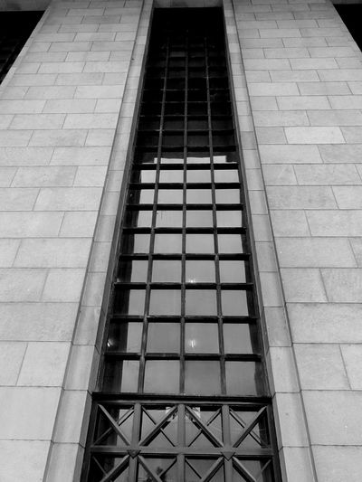 Bnw_friday_eyeemchallenge lines and architecture Blackandwhite Black And White Photography Black And White Architecture