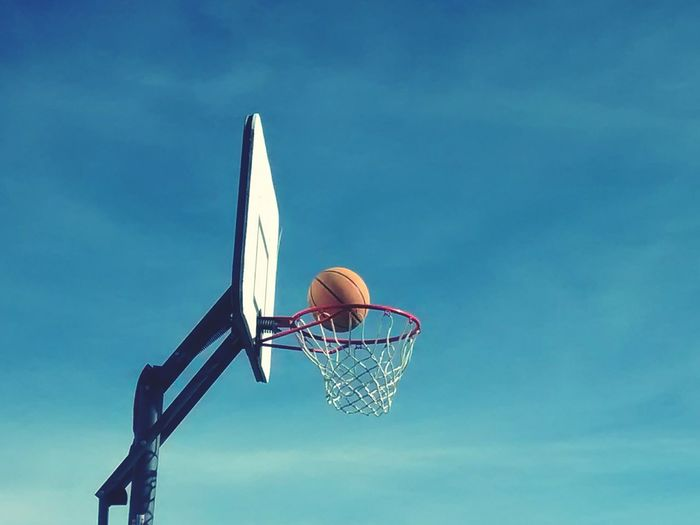 Basketball ❤ Basket Shooting Hoops Ball Orange Color Hoop NiceShot CaptureTheMoment Awesome_shots Allnet Swoosh! Rim Nothingbutnet Gettyimagesgallery Getty X EyeEm Getty Gettyimages