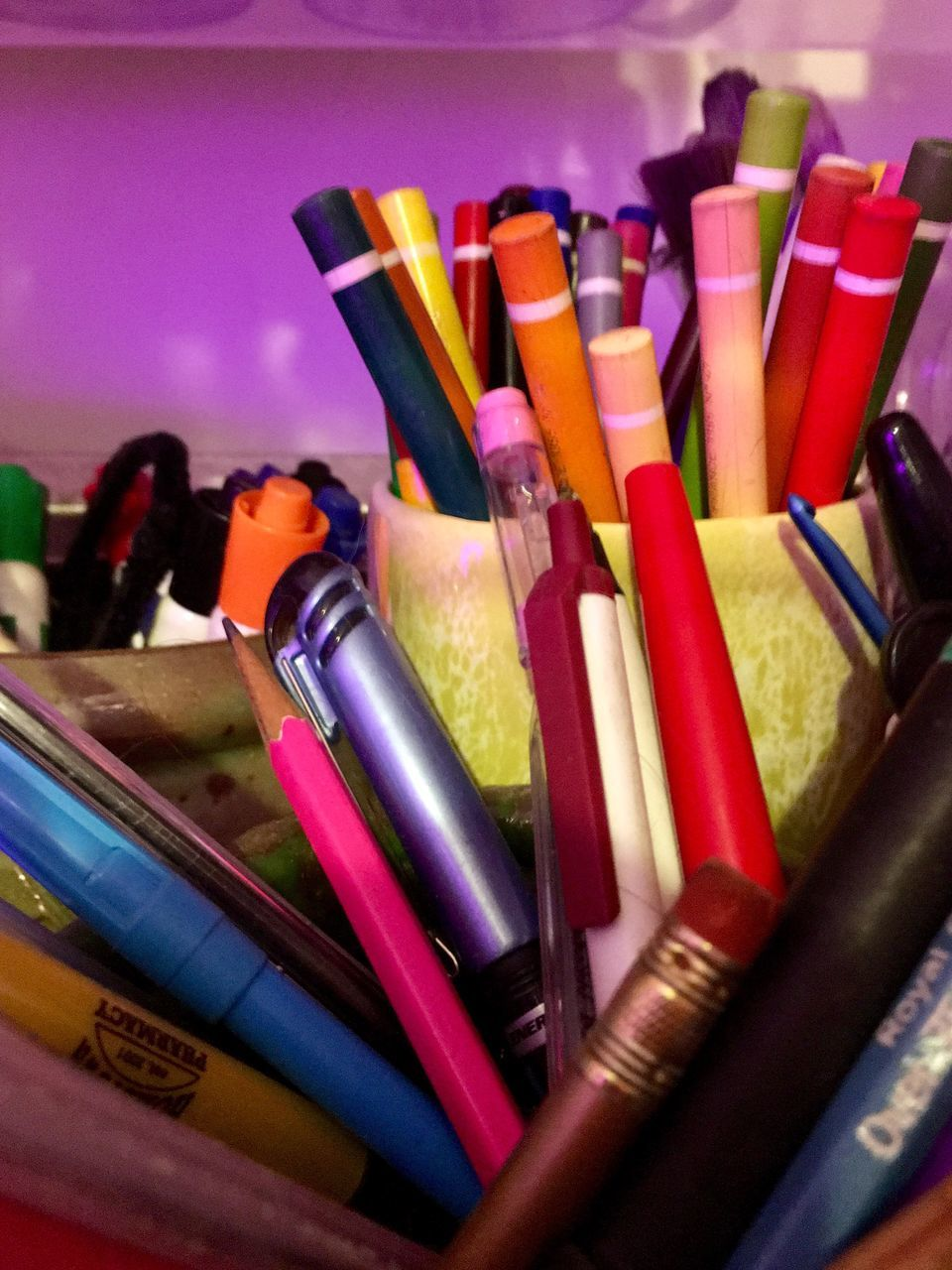 multi colored, pen, variation, still life, large group of objects, indoors, colored pencil, colorful, desk organizer, no people, close-up, choice, day