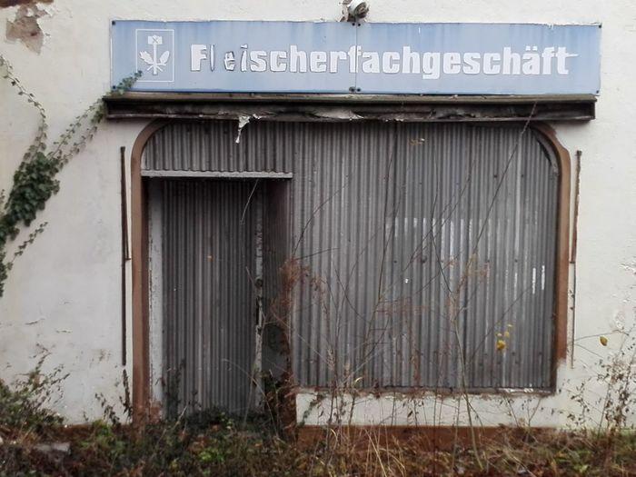 Ehemaliger Fleischer Geschlossener Laden No People Built Structure Architecture Day Outdoors Building Exterior