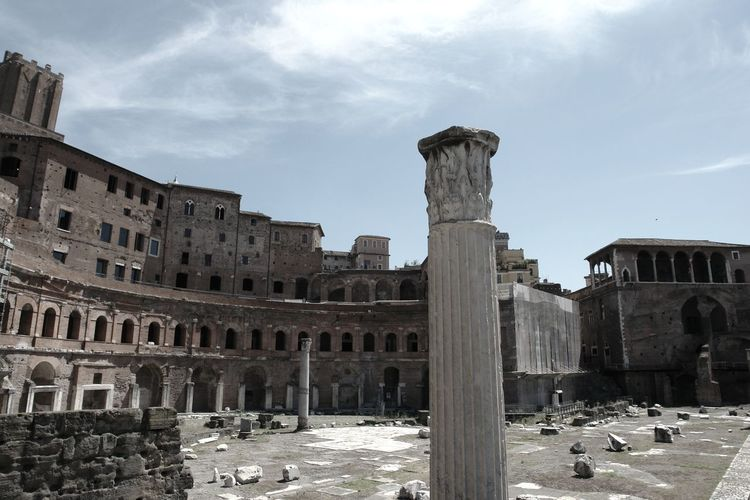Ancient Architecture Column Day Historic History History Through The Lens  No People Outdoors Roman Empire Ruins Sky Taking Pictures Tourist Attraction  Walking Around