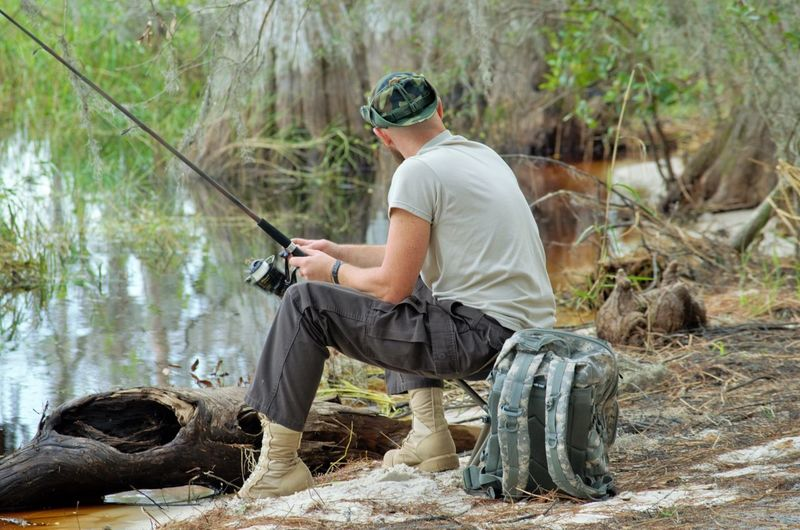 Peaceful cast Fisherman quiet time Serenity Camouflage comfortabke Sitting And Reeling