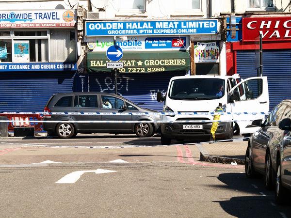 Finsbury Park Mosque Attack. London,19-06-2017 Finsbury Park Finsbury Park Attack Finsbury Park Mosque Journalism London London News Olympus Photojournalism Steve Merrick Stevesevilempire Terrorism Zuiko