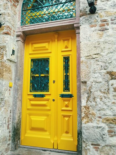 Door Building Exterior History Outdoors Yellow Architecture Built Structure No People Multi Colored Day Nature Beauty In Nature Ayvalik 🐚🐳🐬🏊