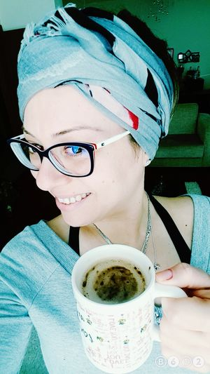Coffee break 💙 Smile ✌ Nomakeup Goodmorning Illbeok Lifestyles ImStrong Happines ThatsMe OpenEdit Today's Hot Look Style ✌ One Young Woman Only Uglygirl  EyeEm Gallery Believe Turkey Coffeetime Coffeelovers Breath Hi Goodmorning EyeEm  Helloworld Happiness One Woman Only Portrait