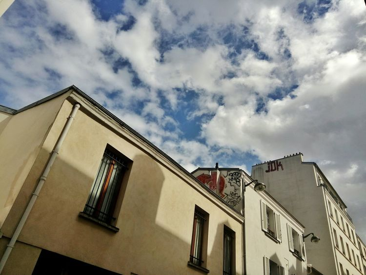Showcase April Sky And Clouds Building Exterior Facades Graffiti Paris, France  Streetlights The Architect - 2016 EyeEm Awards On The Way The City Light