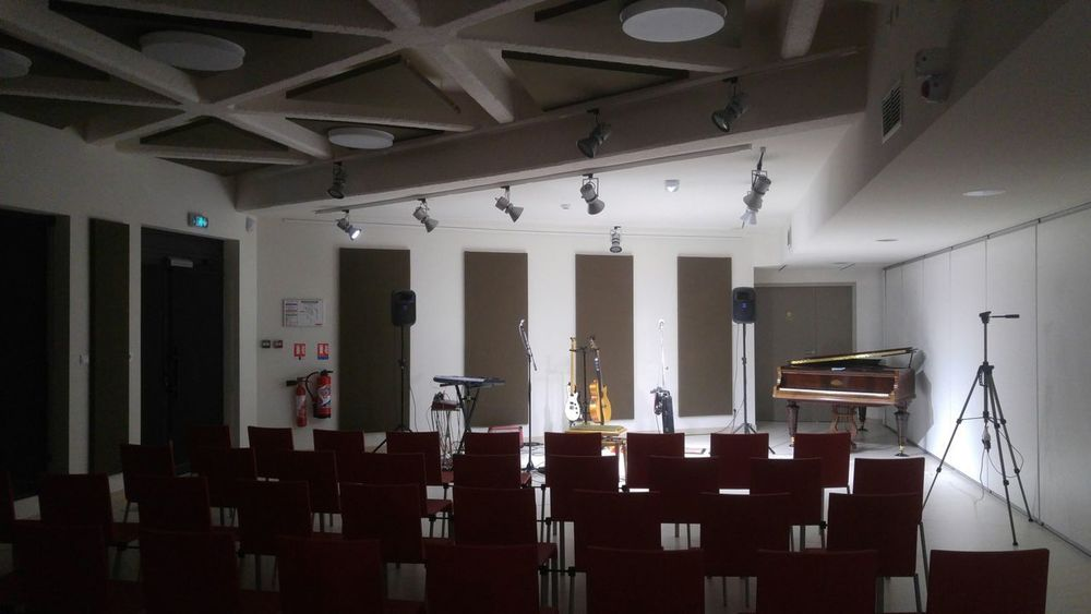 Indoors  Architecture No People Built Structure Music Piano Concert EyeEmNewHere