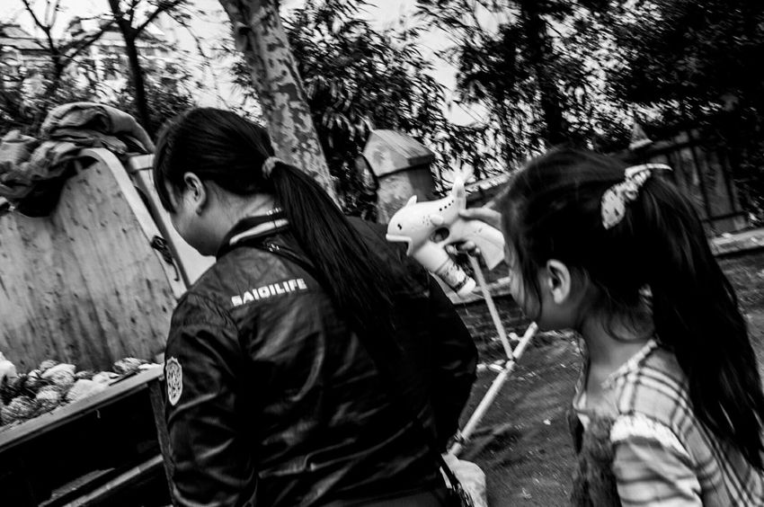 Streetphotography Blackandwhite Taking Photos Photo Enjoying Life Leica Streetphoto_bw Streetphoto_color 青岛 纪实