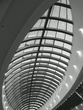 Architecture in black and white Glass Wood Roof Shopping Center Shoppingcenter Sales Saldi Architecture Bw