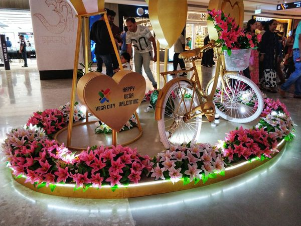 Vega valentine day at Vega city mall. #MobilePhotography #lowlightphotography #Lowlight #nightshot #mall Decoration Weekend Activities #phonephotography For Sale Choice Market Stall Variation