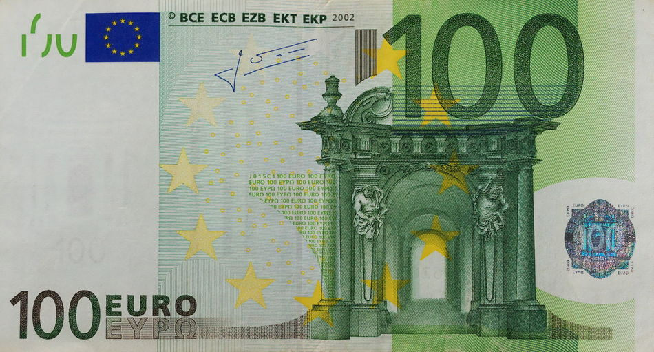 100 Euro Close-up Currency Day Euros Finance Geldscheine Indoors  No People Paper Currency