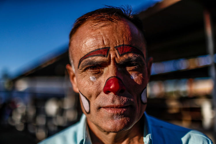 Portrait of the face of Pablo Largo, rodeo clown in the cattle expo of Sonora. Hermosillo, Sonora Mexico. May 2018 Portrait Rodeo Clown Bull Bulldog Cowboy Cowboy Photographer Cowboys CowboysNation  Hat Hermosillo Mexico Rodeo Rodeo ❤ Sonora Vaquero Clown Cowboy Boots Cowboy Hat Cowboy Hay Cowboyhat Eyes Men One Person Payaso Portrait