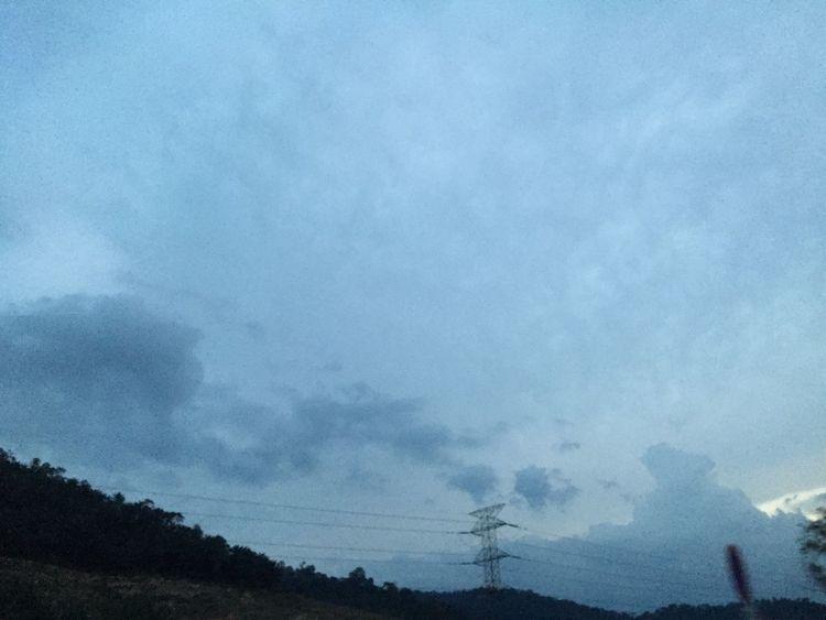 Grainy / home Sky Blue Sky Blue Clouds Clouds And Sky Sky And Clouds Melancholic Landscapes Nostalgia
