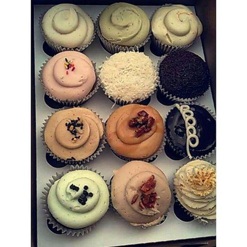 Mom's birthday cupcakes Tomorrow 37yrsold & 37dollarsforadozen !! Yummycupcakes Cupcakes Cupcake