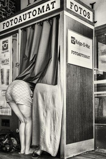 B&w Street Photography Fotoautomat Germany Monochrome Blackandwhite Streetphoto_bw Streetphotography Eyem Best Shots The Tourist Up Close Street Photography Capture Berlin The Street Photographer - 2017 EyeEm Awards Discover Berlin
