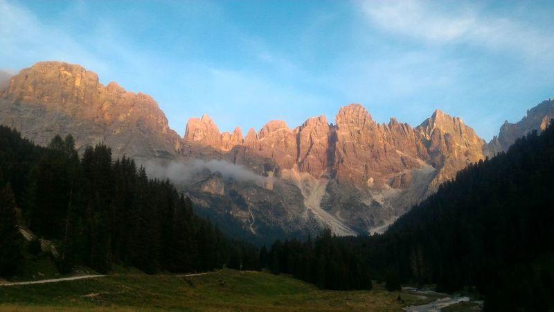 Summer Views Montagne incendiate Mountains