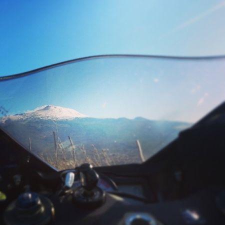 Che bella l'Etna vista dal cupolino.. xD Moto Suzuki Gsx -r