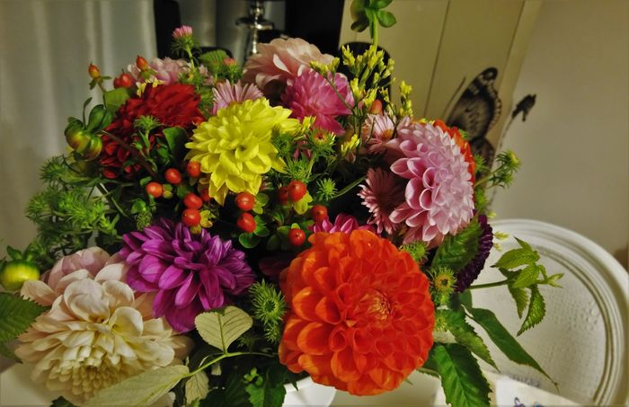 Beauty In Nature Bouquet Close-up Day Flower Flower Head Fragility Freshness Growth Indoors  Nature No People Petal Plant