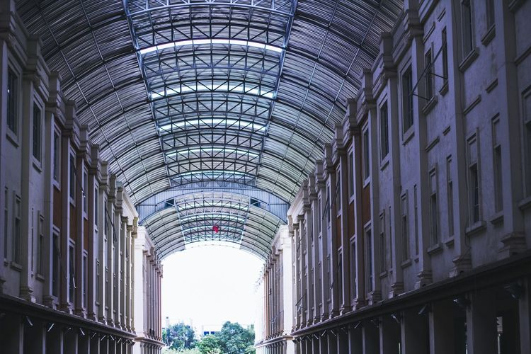 Architecture Ceiling Built Structure Low Angle View Indoors  Modern Travel Destinations Day Illuminated No People City Sky Minimalism Minimalist Architecture Minimalist Minimalism_masters Tonesbox Tonechaser_ Toned Tonetality Tonekillers Shootermagazine The Secret Spaces Worldwide_shot Focus