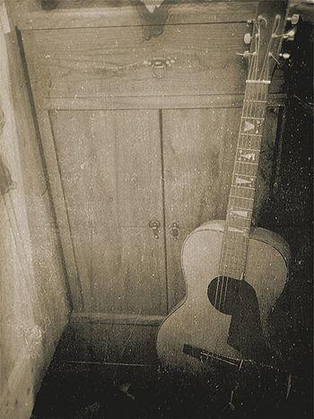 Elegance Everywhere Vintage Relic Oldguitar