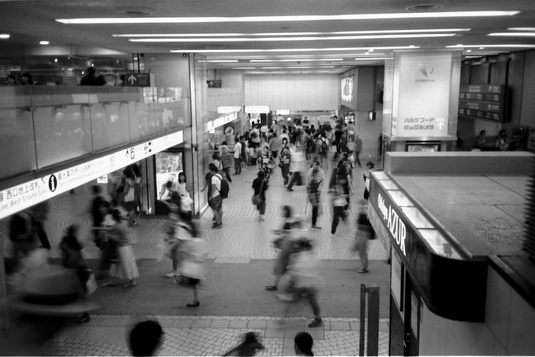 新宿駅 Tokyo 新宿 新宿駅 Olympus XA2 Olympus Fujifilm Neopan フィルム フィルム写真 Film Photography Film Zuiko Japan Blackandwhite Streetphotography モノクロ 白黒 B&w AcroS City Subway Train Commuter Crowd Rush Hour Transportation Building - Type Of Building Airport Public Transportation Railroad Station Passenger