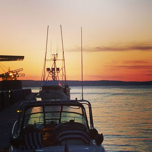 Great night on the boat. Sunset PNW Pnwlife Pnwnaturescapes Onaboat Boatlife Enjoying Life Afloat Commencementbay Friends fosswaterway Tacoma_WA Ttown Sea Nautical Vessel Tranquility Travel Destinations Sky Outdoors Nature