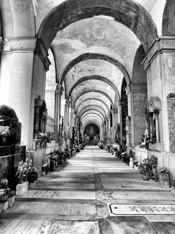 Bnw_friday_eyeemchallenge Cemeteryscape Graveyard Emptyness