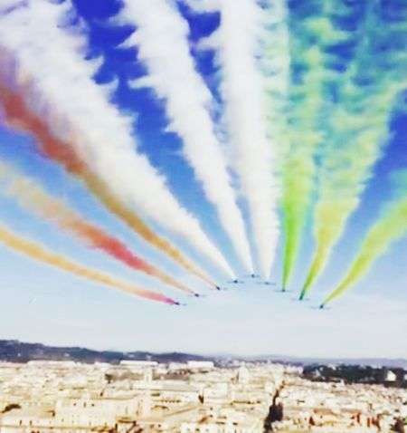 Airshow Flying Multi Colored Airplane Formation Flying Nature Day Air Vehicle Military Airplane Military Fighter Plane Smoke - Physical Structure 2 Giugno Italia Low Angle View Flags In The Wind  Bandiera Italiana Tricolore Frecce Tricolore Airshow Festa Della Repubblica Italiana Rome Italy🇮🇹 Formation Flying Street Photography People Frecce Tricolori