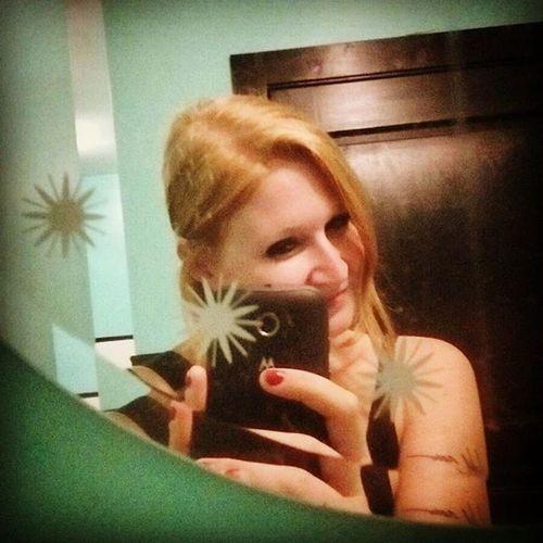 Denver Skylarklounge Allison Bathroomselfies