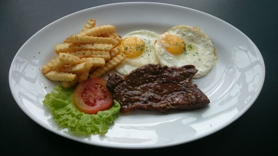 Sirloin Steak Food Drink Sirloin Steaks Vegetable Plate Delicious Yummy Restaurant Chef Cooking Barbecue Blackpepper Sauce