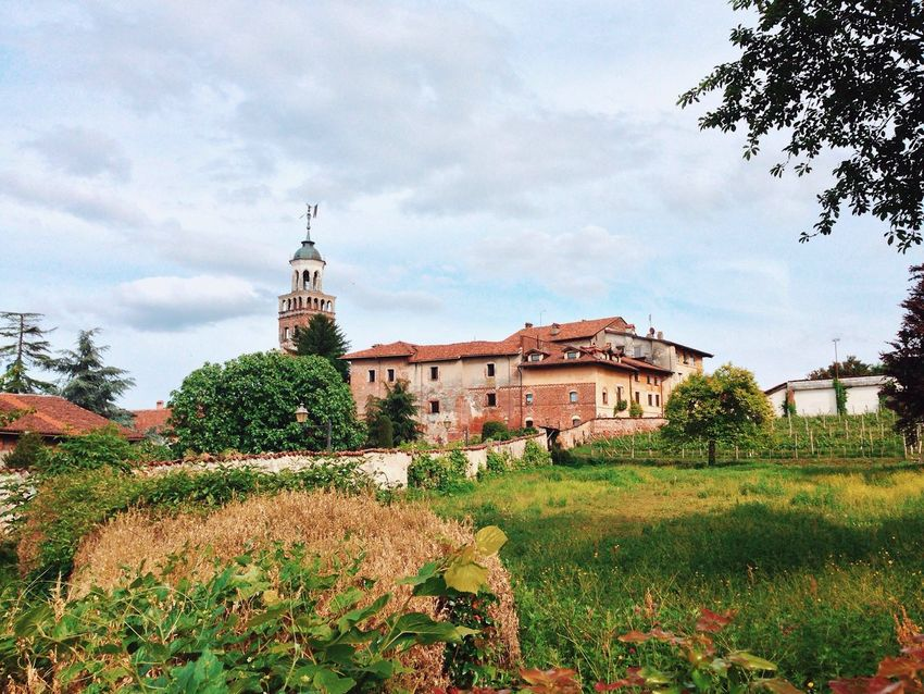 BYOPaper! Landscape Architecture Sky Outdoors Grass Travel Destinations Tree History Saluzzo  Oldtown Day Cloud - Sky