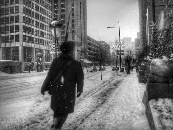 Learn & Shoot: Balancing Elements Taking Photos Streetphotography Lensculture Blackandwhite Photography Fictionnonfiction Snapseed Nikonlens Montréal Montrealcity Montreal, Canada