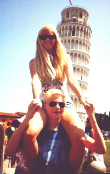 Søskenkjærlighet i Pisa