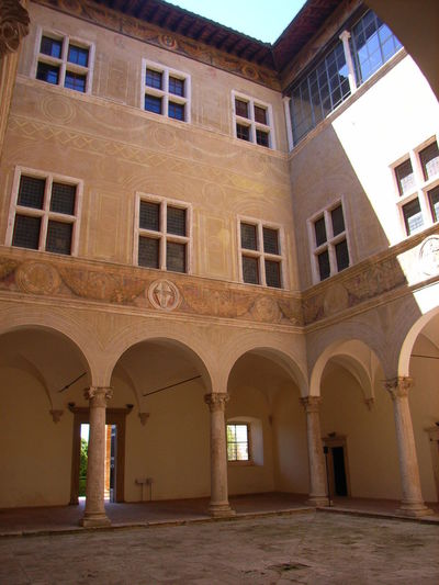 Palazzo Piccolomini Piccolomini Pienza Italy Pórtico Arch Arched Architectural Column Architecture Building Building Exterior Built Structure Cortile Courtyard  Day History Nature No People Outdoors Porticato The Past Travel Destinations Window