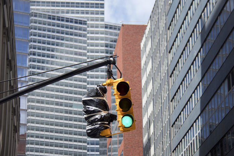 Cityscape New York New York City Green Light No People Sky Scrapers Traffic Lights Urban