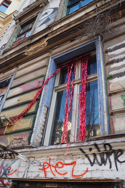 Alternative Architecture Building Exterior Built Structure Garland House Low Angle View Old Buildings Outdoors Red Shinny Silver  Squat Unrenovated Window
