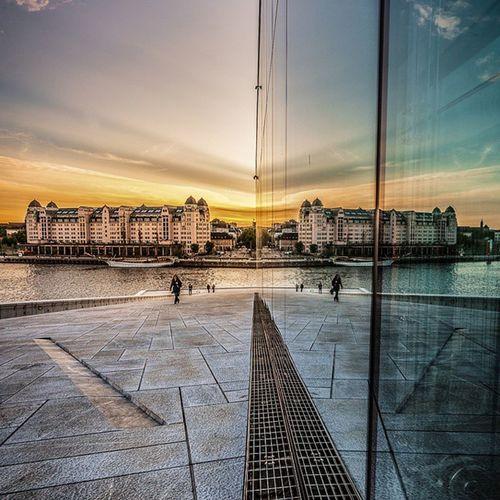 Reflection Oslo Operahuset Operahouse Sunset Sunsetlovers Glass Sky Visitnorway Visitoslo