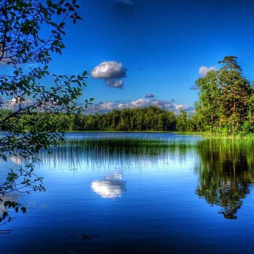 Wu_sweden Instagram_i_sverige Loves_sweden Ig_ikeda instagram_i_sverige sommar sommar2014 juni june ig_natur halland hejhalmstad 7dagarbilden sverige sweden vatten blåhimmel sjö lake cloudlovers skylovers