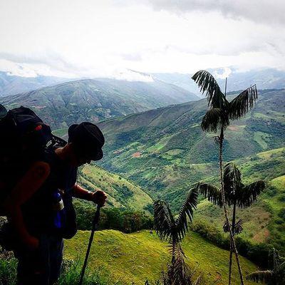 Caminando a través de las montañas que rodean el páramo de Altamira, en la vía que conduce al pico de Horma / Walking through the mountains surrounding the páramo of Altamira, on the way that leads to the Horma Peak in Mérida Venezuela .......... Gotravelfree Gf_venezuela IG_GRANCARACAS IgersVenezuela Insta_ve IG_Venezuela Instafoto_ve Icu_venezuela Ig_lara Igworldclub Ig_tachira Ig_merida Instavenezuela Elnacionalweb Venezuelapaisajes Instanature Gf_daily Venezuelacaptures Everydaylatinamerica Everydayeverywhere Turism Turismo Travel picoftheday canon camera canon_official