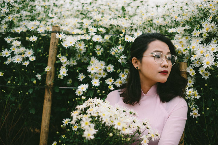 Daisy! Daisy Beautiful Woman Beauty Beauty In Nature Flower Fragility Garden Growth Nature One Person Outdoors Plant Women Young Adult Young Women This Is Natural Beauty The Modern Professional