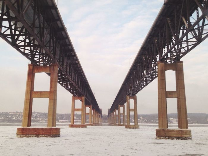 Frozen Hudson. Open Edit Architecture River Deepfreeze Bridge Winter Travel EyeEm X WhiteWall: Architecture