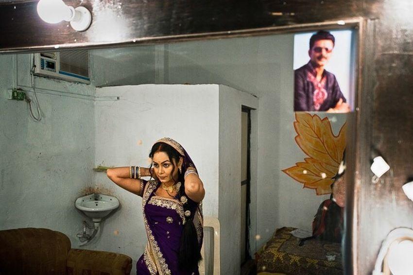 The Photojournalist - 2016 EyeEm Awards Bollywood The Portraitist - 20I6 EyeEm Awards The Photojournalist 2016 Finalists