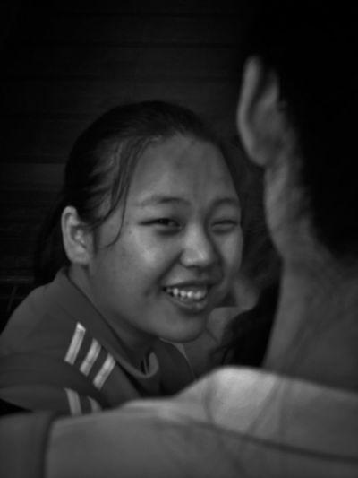 2017/5/20 速寫朋友 於高雄MRT Taiwan Mrt Bw Bw_lover BW_photography B&w Photo B&w Bw Photography B&w Photography Bwphotography Friend Friends Smiling Headshot Friendship EyeEmNewHere