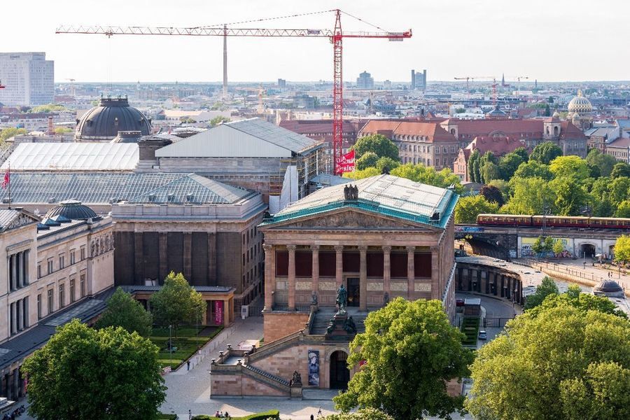Museumsinsel Deutsches Museum Museumsinsel Berlin Berlin Germany🇩🇪 Berlin Cathedral Cityscape Flag Cloud - Sky Berliner Dome Berlin Mitte Berlinstagram Deutschland Germany Berlin Photography Berliner Ansichten Berlin Cathedral Church Cathedral Church Aerial View City Building Exterior Downtown District Panorama Urban Skyline