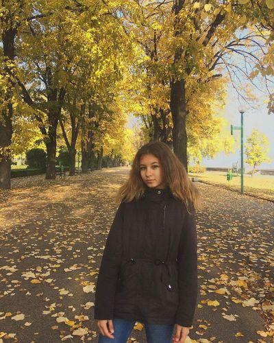 Autumn Looking At Camera Nature Outdoors Day Tumblr Colors Like4like Followme Autumn Colors 🍁🍂autumn