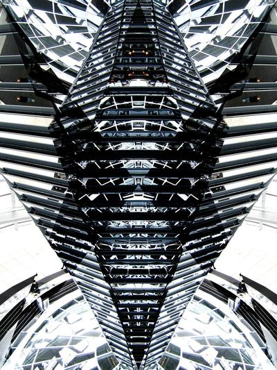 Like a kaleidoscope Symmetrical Architecture D3lta Berlin Throwback Reichstag