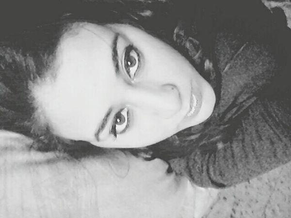 ... Pensamientos Miradas Acostada Blackandwhite Blancoynegro Blackandwhite Photography EyeEm Eyeem Argentina